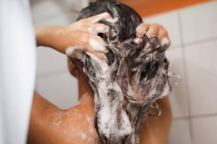 Saç Kepeğini Engellemek İçin Bitkisel Öneriler