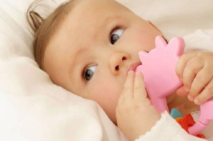 Bebeğiniz diş çıkarıyor : Diş çıkaran bebeği rahatlamanın yolları
