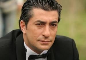 Erkan Petekkaya, Kayıt Dışı Dizisi ile Fox Ekranlarında