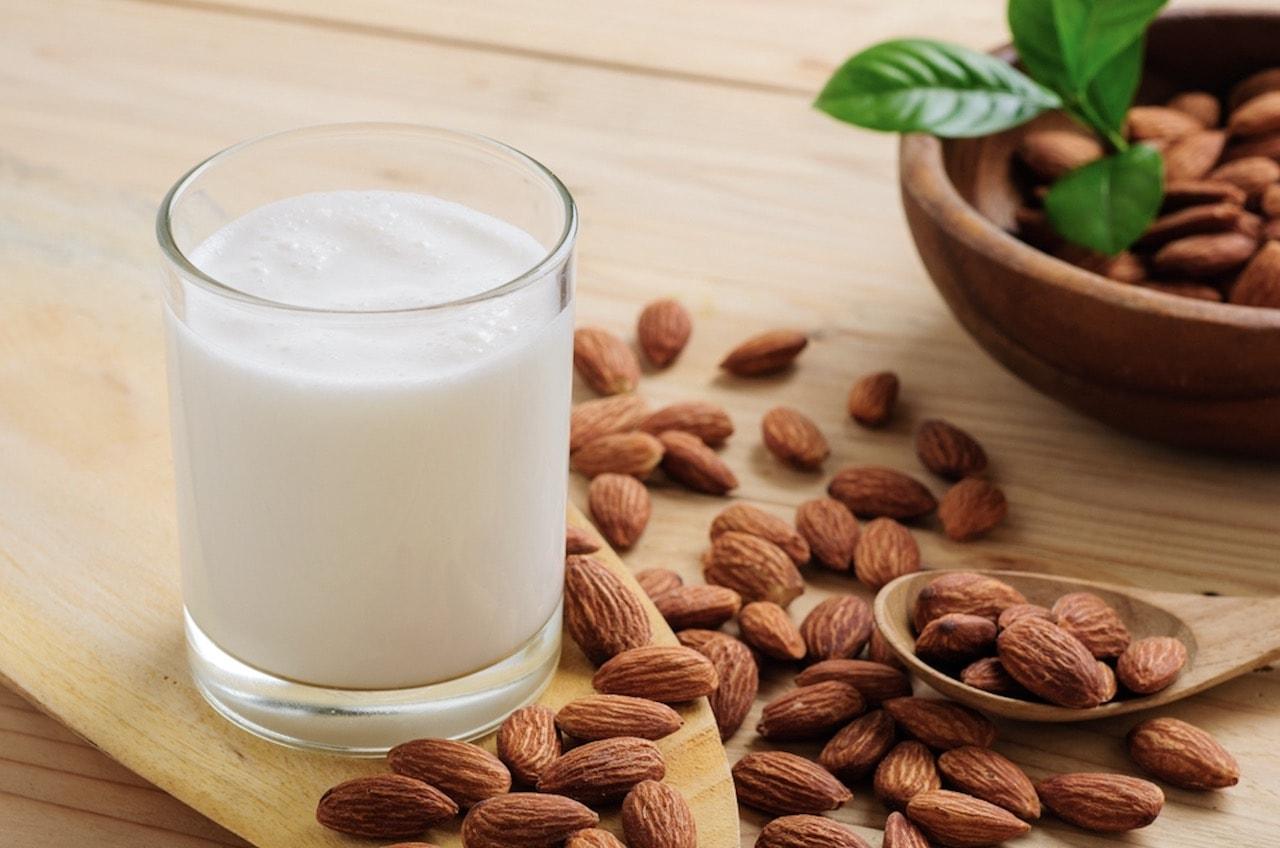 Badem Sütü İçmek İçin 9 Neden