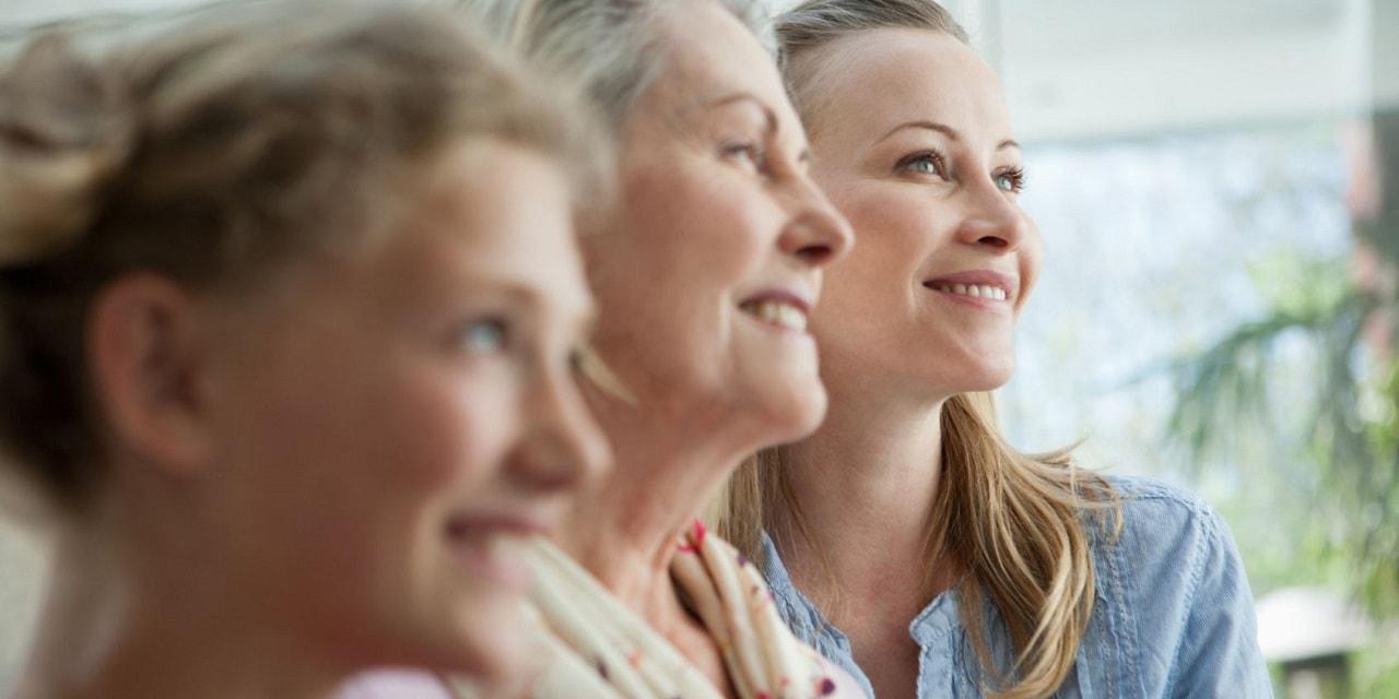 Farklı Yaş Kadınlar