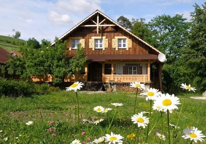 papatya bahçeli ev